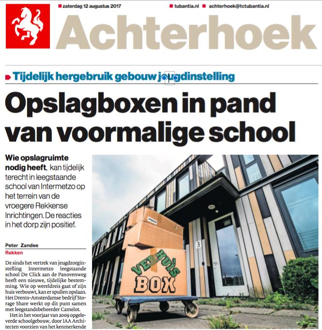 Opslagboxen in pand van voormalige school